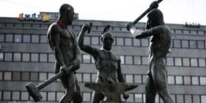 Sculpture-gloire-travail-Helsinki-en-Finlande_0